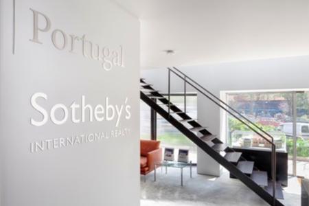 Sotheby%c2%b4s 1